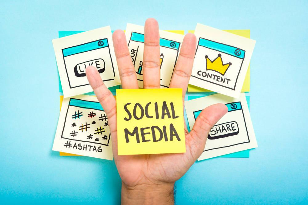 Trabaja en tus redes sociales para destacar entre la competencia